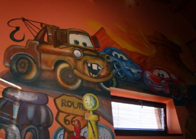 Cars maba na stěnu